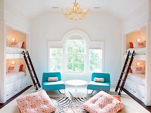 Built-in Bunk Beds in Bunk Room