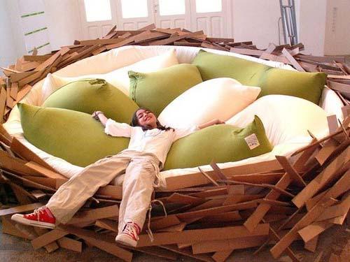 Giant Bird Nest for Breeding New Ideas