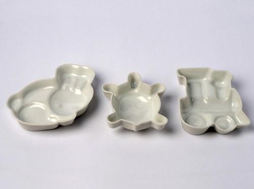 Sandbox Love Porcelain Dishes