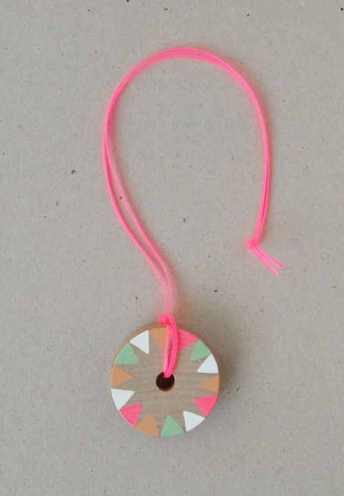 diy wooden painted pinwheel necklace