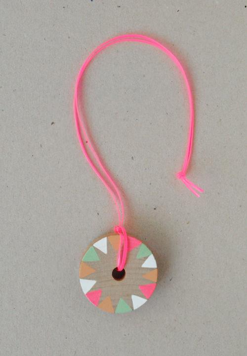 diy pinwheel necklace