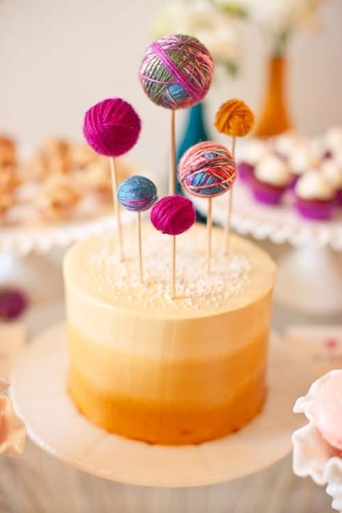 yarn cupcake toppers