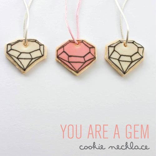 DIY Edible Gem Cookie Necklace ⋆ Handmade Charlotte