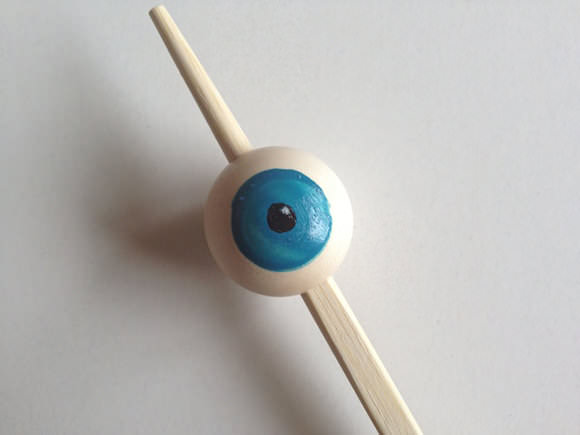 DIY Googly-Eyed Hand Puppet