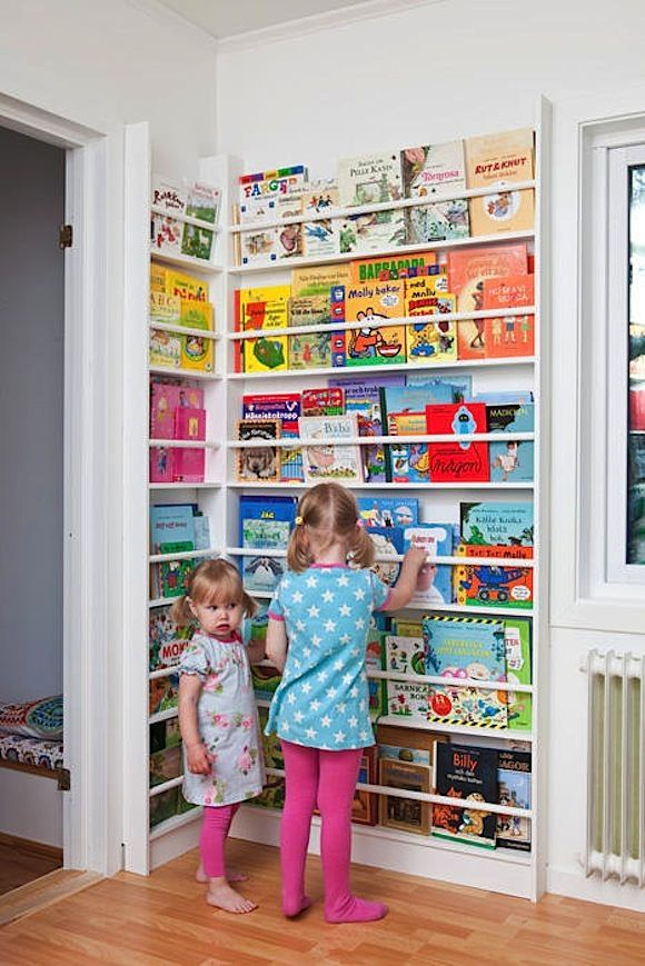 Newsstand Style Corner Display Rack For Kids