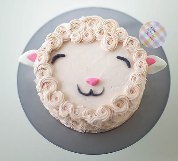 DIY Fluffy Lamb Cake Decorating Tutorial // Handmade Charlotte