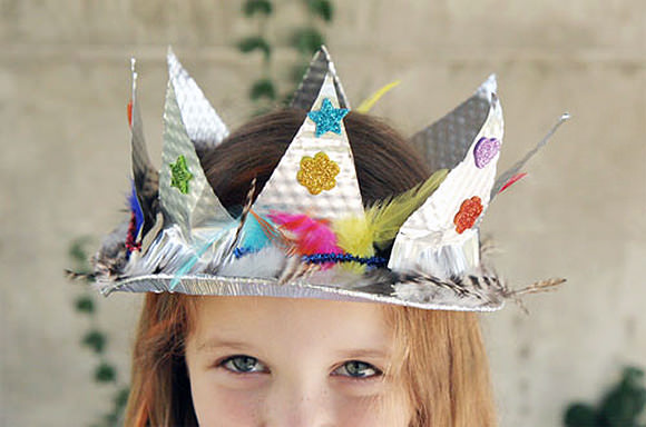 DIY Pie Plate Crown // via skunk boy blog