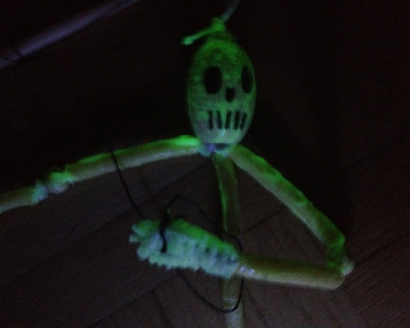 DIY Halloween Skeleton Puppet