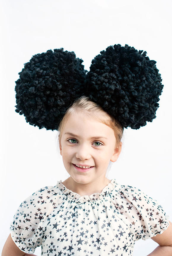 DIY Giant Pom-Pom Mouse Ears #disneyside
