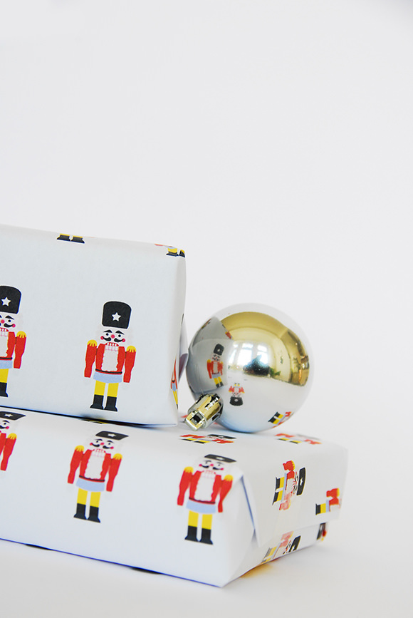 DIY Nutcracker Gift Wrap