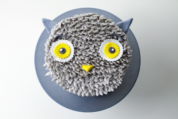 DIY Gray Owl Cake Tutorial