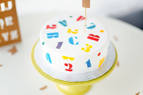 Diy abc stencil cake handmade charlotte for Abc cake decoration