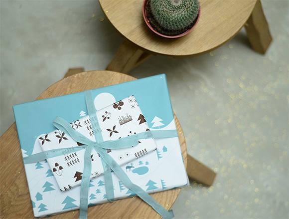 DIY Printable Wrapping Paper via Bloesem