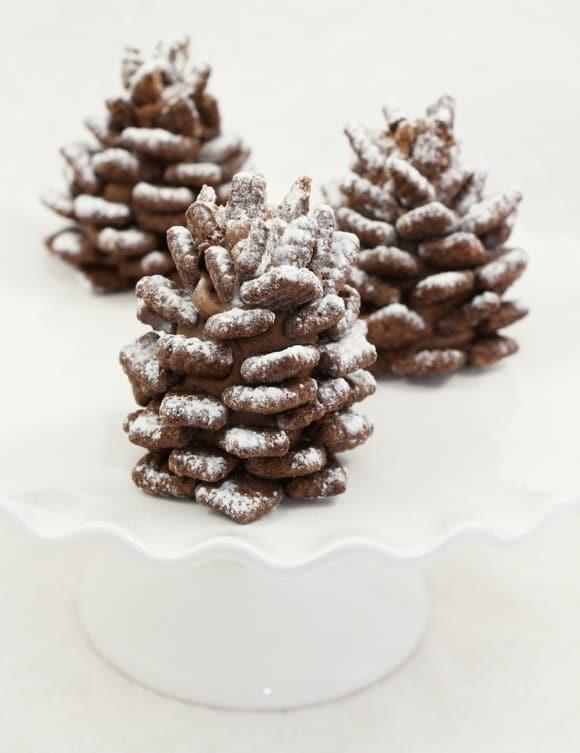 Snowy Pinecone Snacks