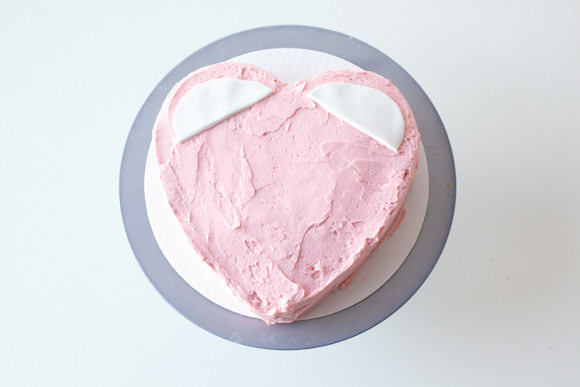 How To Make A Pink Mouse Valentine's Day Cake