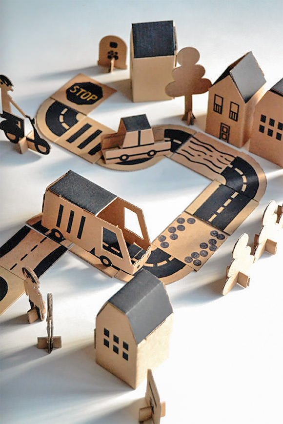 DIY Cardboard Bloc City Play Set