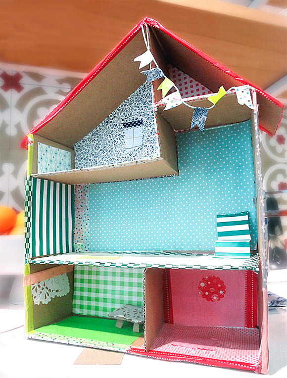 6 Ways To Make A Cardboard Dollhouse ⋆ Handmade Charlotte