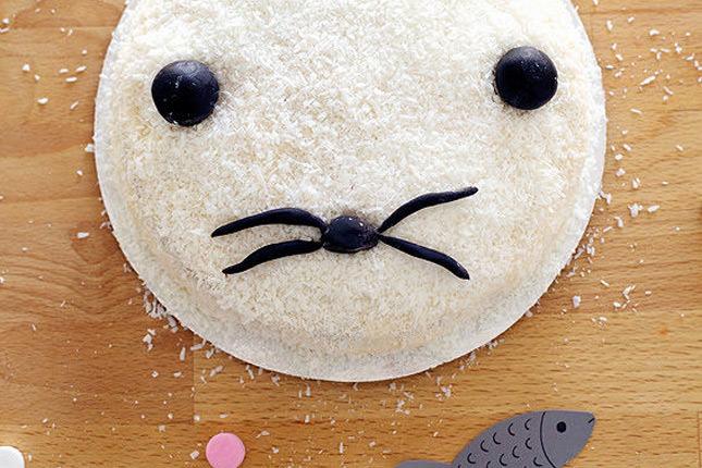 DIY Baby Seal Cake