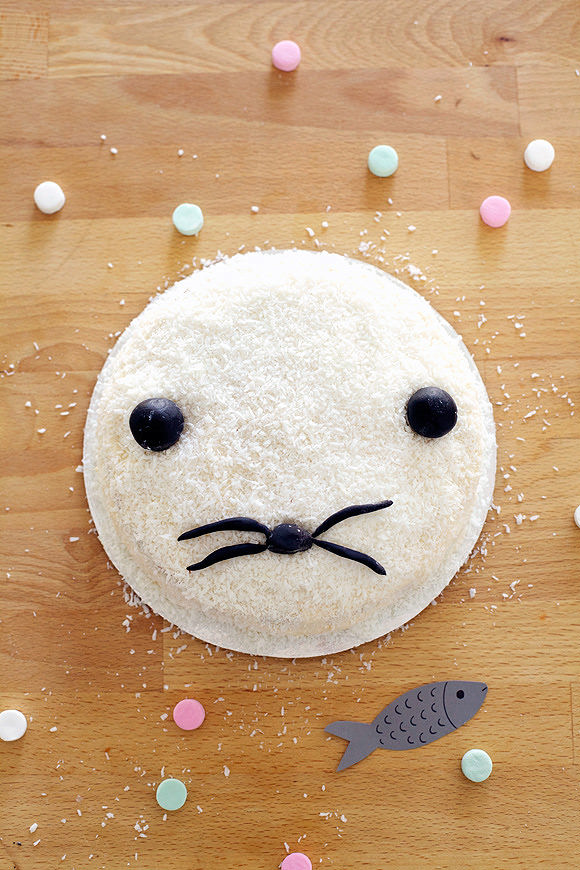 How To Make A Seal Cake