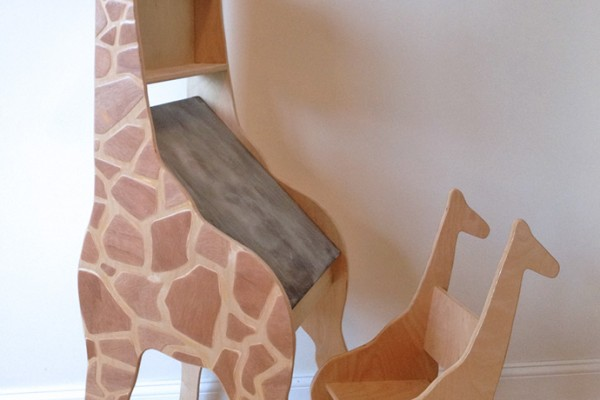 Giraffe Drawing Desk and Chair for Kids