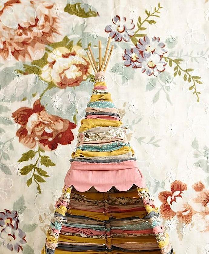 DIY Fabric Scrap Tipi by Sofia from the Mokkasin blog