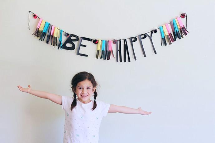DIY Be Happy Banner