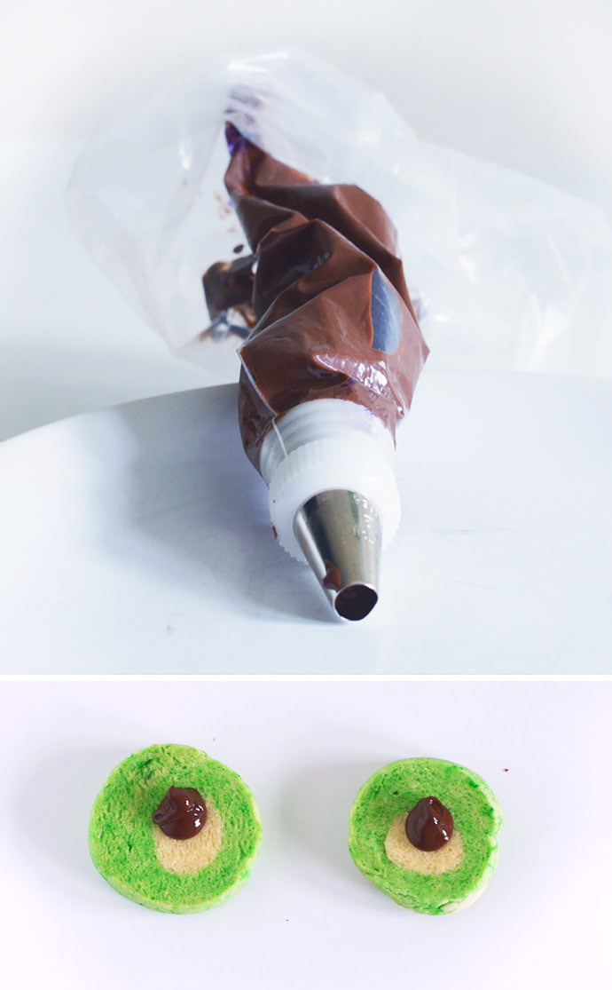 Halloween Recipe: Googly Eye Cookie Pops