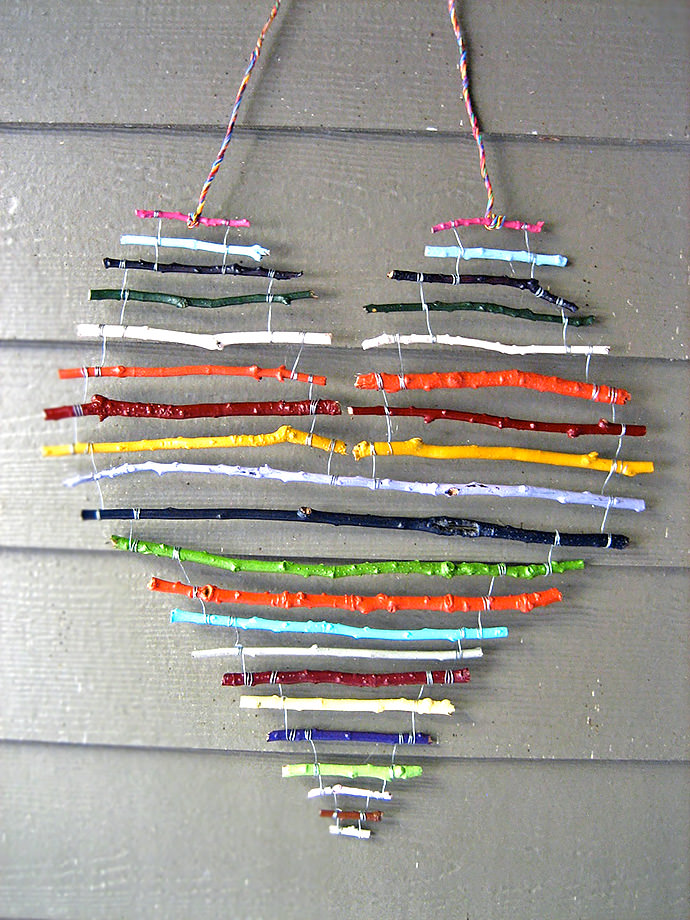 Fall Crafts for Kids: Rainbow Stick Mobile (via Daily Heart)