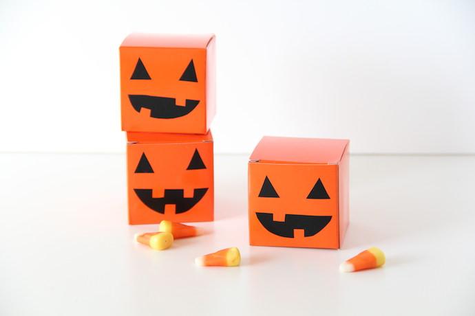 DIY Halloween Jack-o-Lantern Treat Boxes