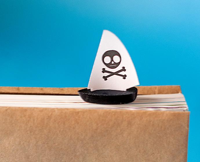 Super fun 3D Pirate Ship Bookmark printable