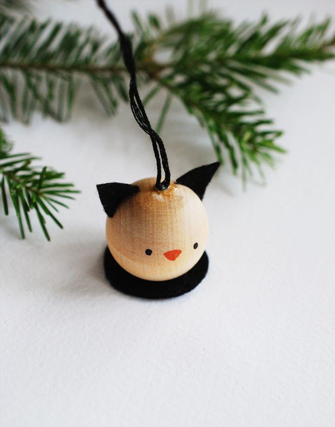 Make A Set Of Wooden Animal Ornaments ⋆ Handmade Charlotte