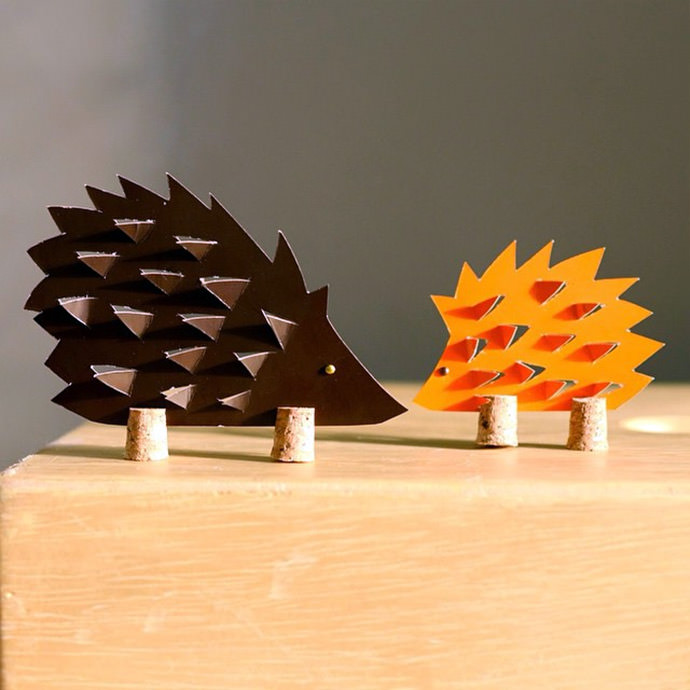 DIY Cork Hedgehogs (via Estefi Machado)