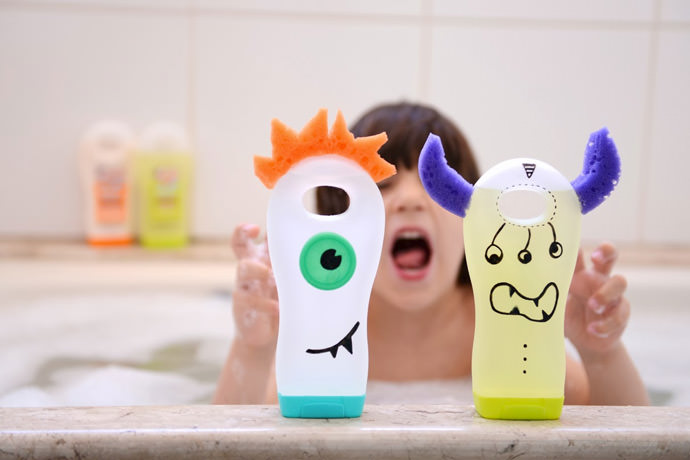 DIY Shampoo Bottle Monsters (via Estefi Machado)