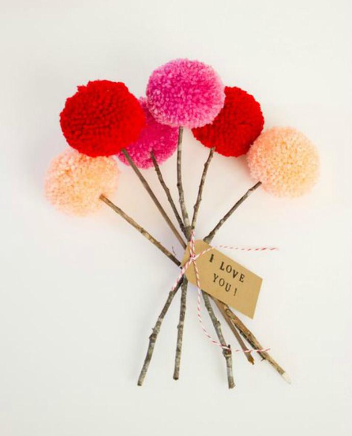 Easy Valentine's Day Pom-Pom Bouquet