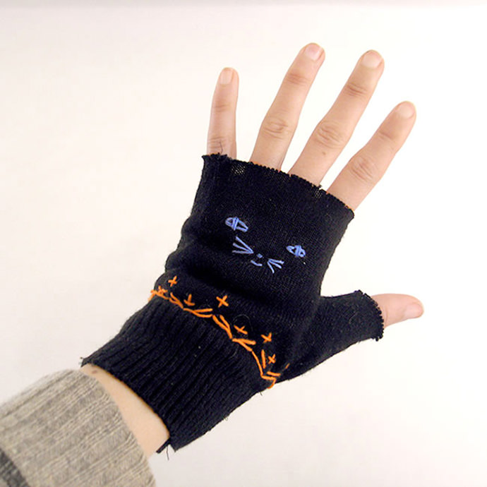 Embroidered Kitten Mittens made from Upcycled Sweaters