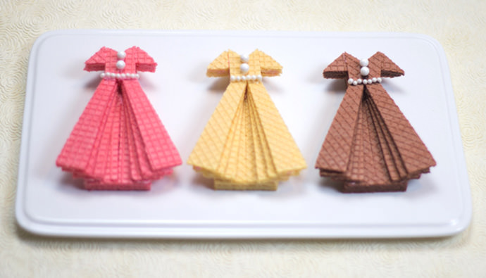 Sugar Wafer Dress Cookies