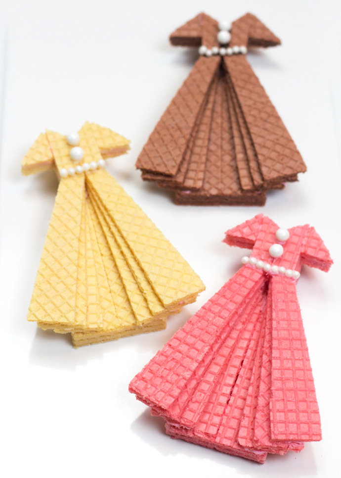 Hit The Recipe Runway With Sugar Wafer Dress Cookies