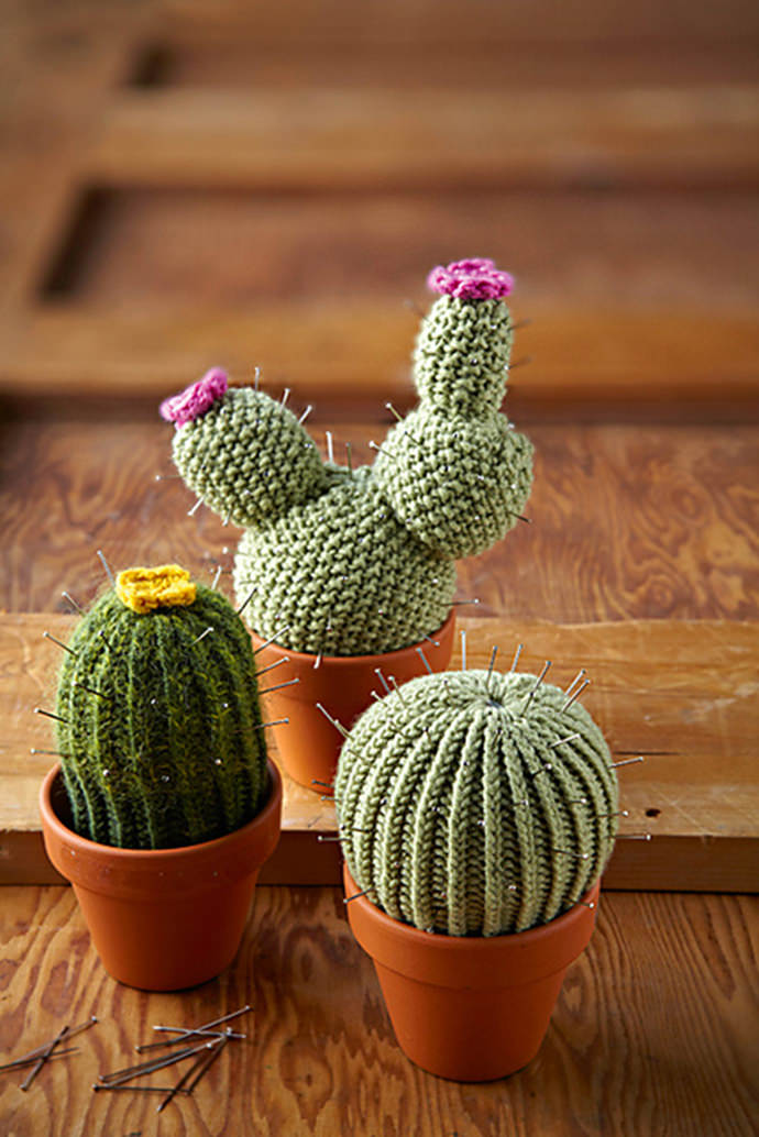 DIY Knit Cactus Pin Cushions