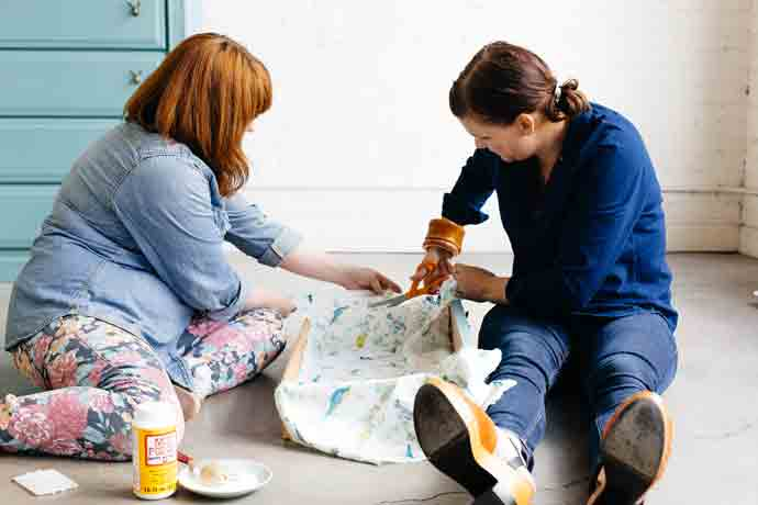 DIY Waverly Fabric Drawer Lining