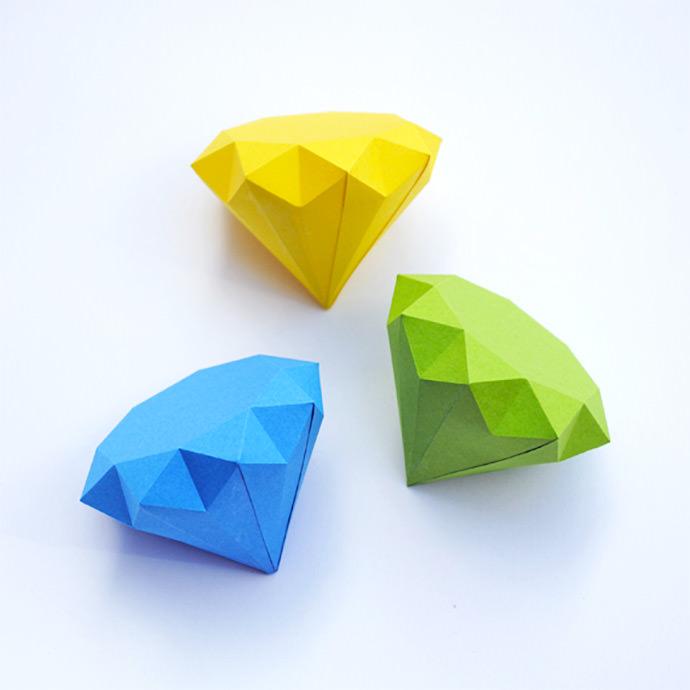 DIY 3D Paper Diamonds via Mini Eco