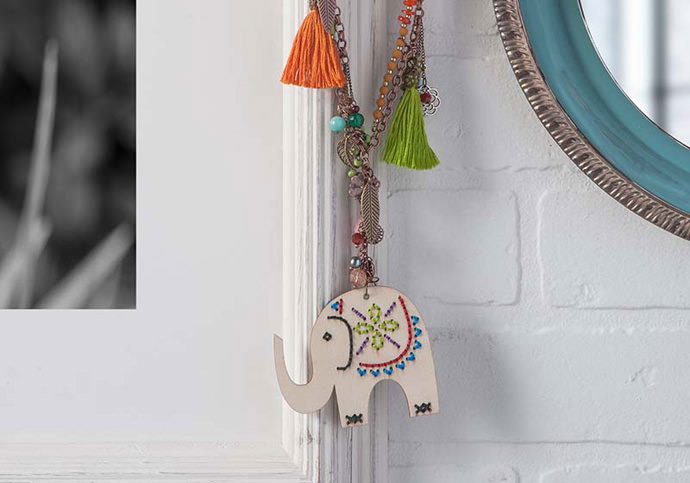 Handmade Charlotte Bucilla Wooden Stitchable