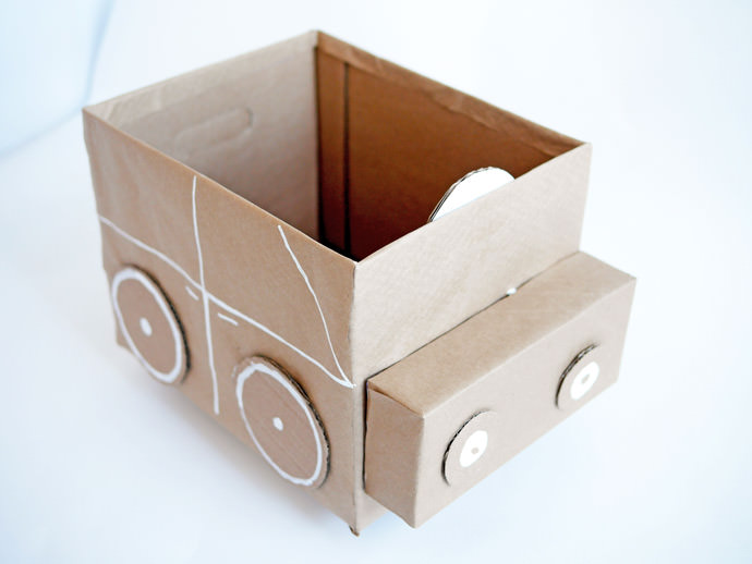 Quick easy recycled cardboard storage for kids for Things to make out of cardboard for kids