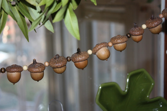 6 acorn craft ideas for fall handmade charlotte for How to make acorn ornaments
