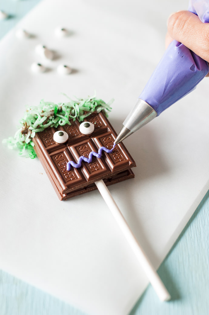 Chocolate-Monster-Portraits-on-a-Stick-8-1