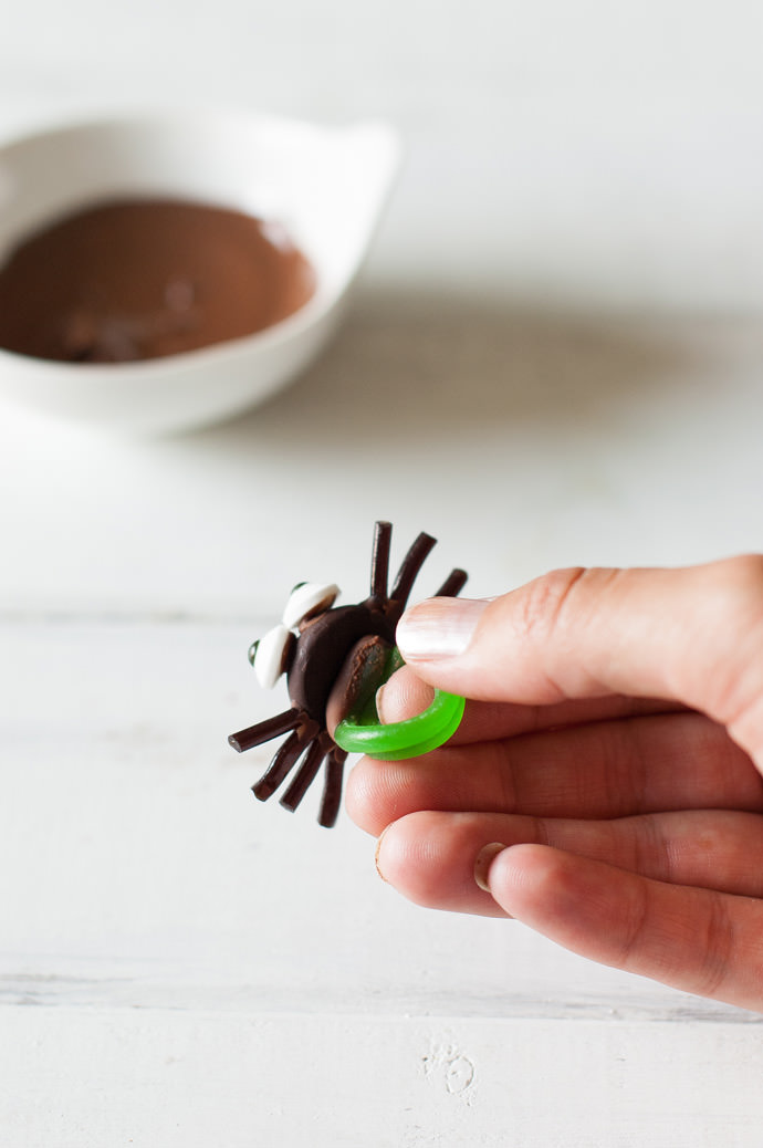 Mr. Spooky Spider Chocolate Ring Pops