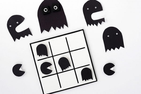 Halloween Printable: DIY Tic-Tac-Pac-Man Game