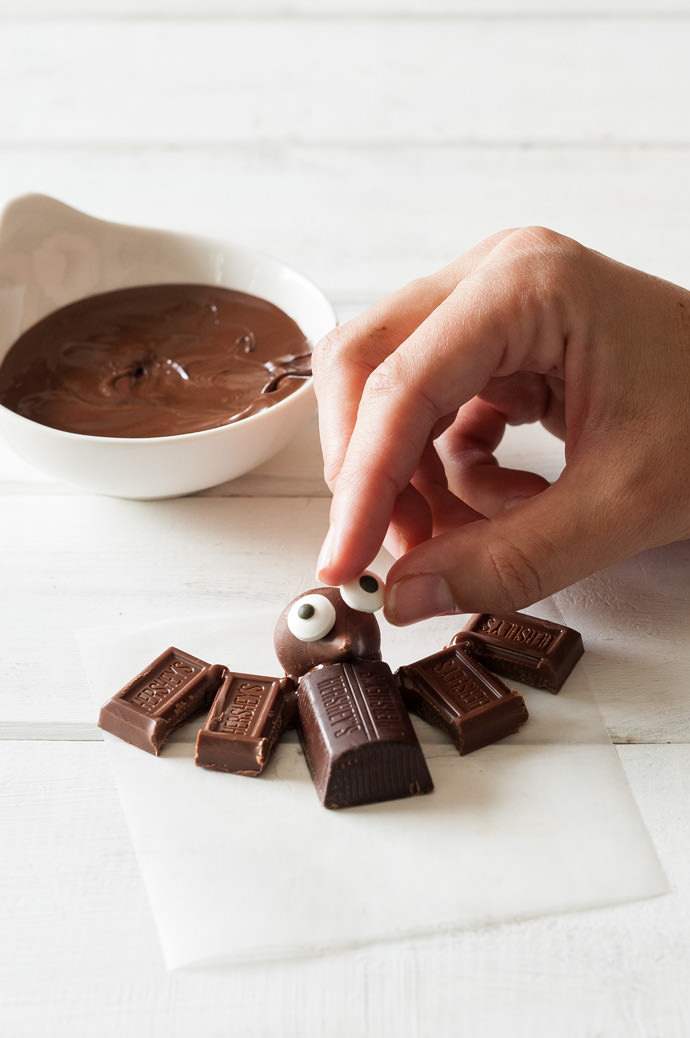 Mini Chocolate Bats