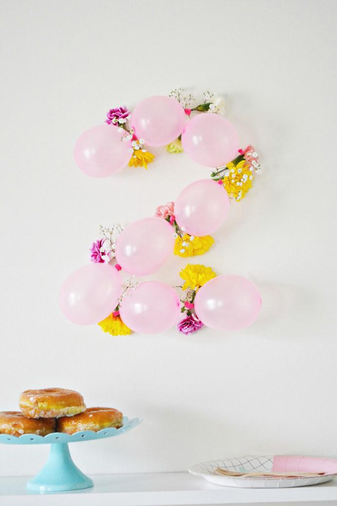 DIY Balloon Flower Numbers
