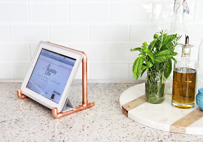 DIY Copper iPad Stand, tutorial via A Bubbly Life