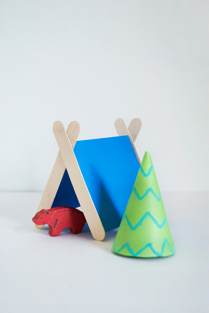 Popsicle Stick Tents, tutorial via Mer Mag
